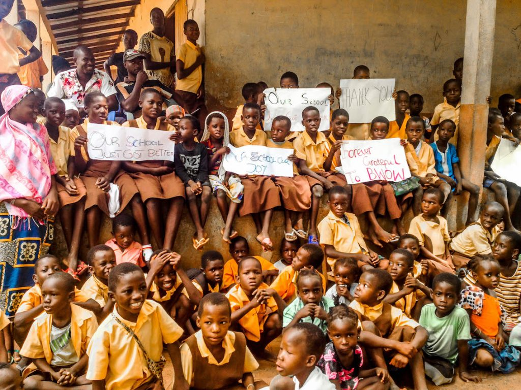 students-of-kpduuli-primary-showing-their-excitement-during-the-ceremony